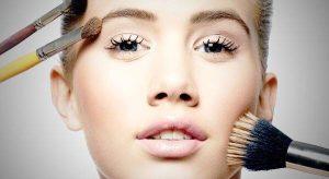 اشتباهات رایج خانم ها در آرایش